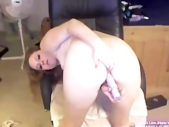 golden-haired college hotty marie masturbates